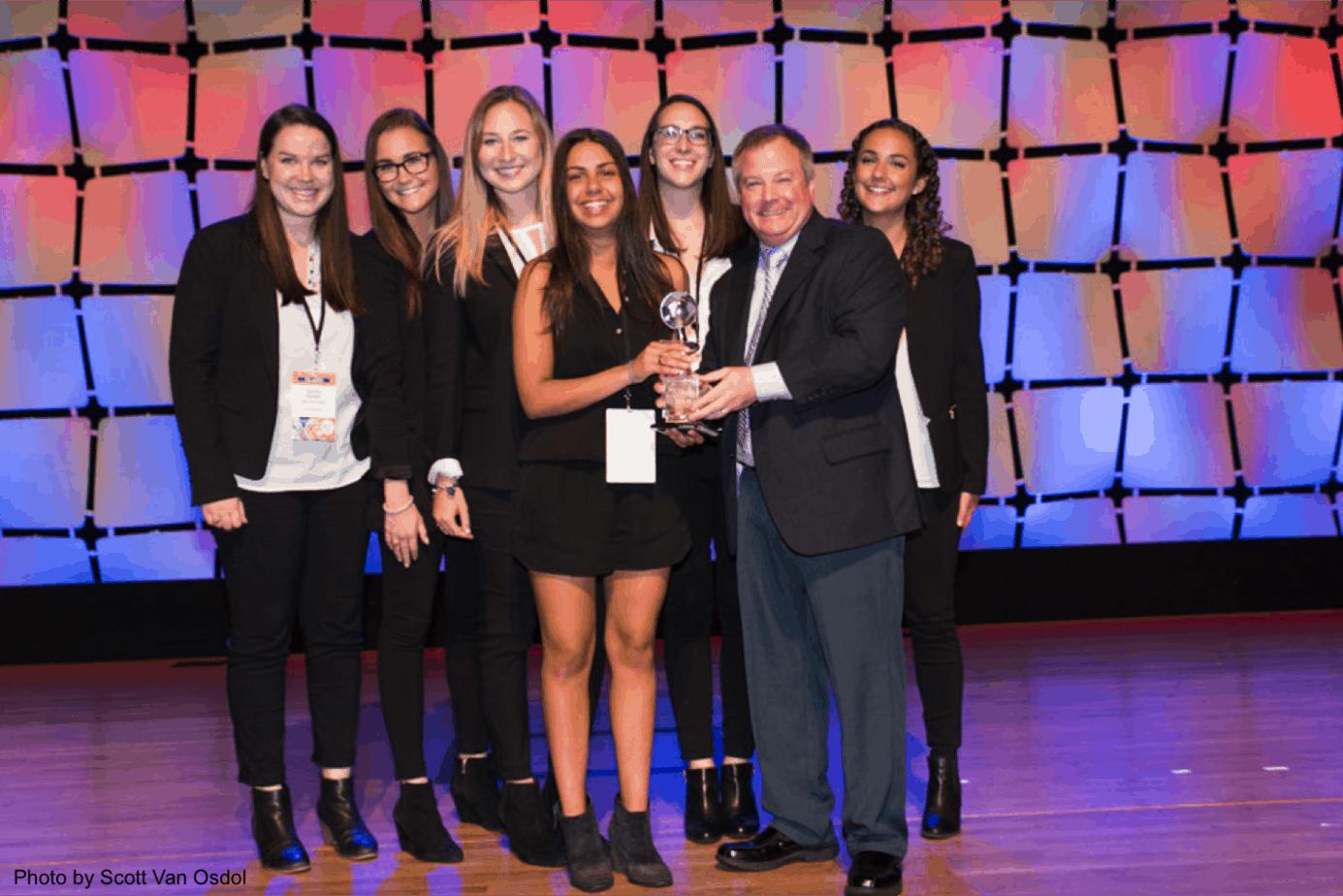 AdMall VP gives NSAC award to University of Virginia
