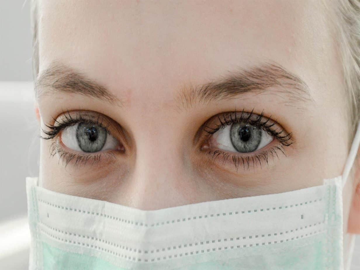 female-surgeon